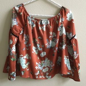 EUC Misguided Floral Boho Top    Size: US 4